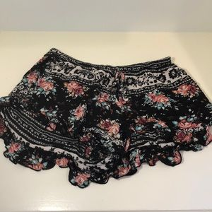 Zoe and Rose Floral Print Flowy Shorts